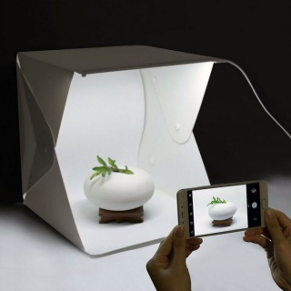 Mini fotobox s LED rasvjetom